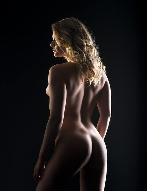 naked art model